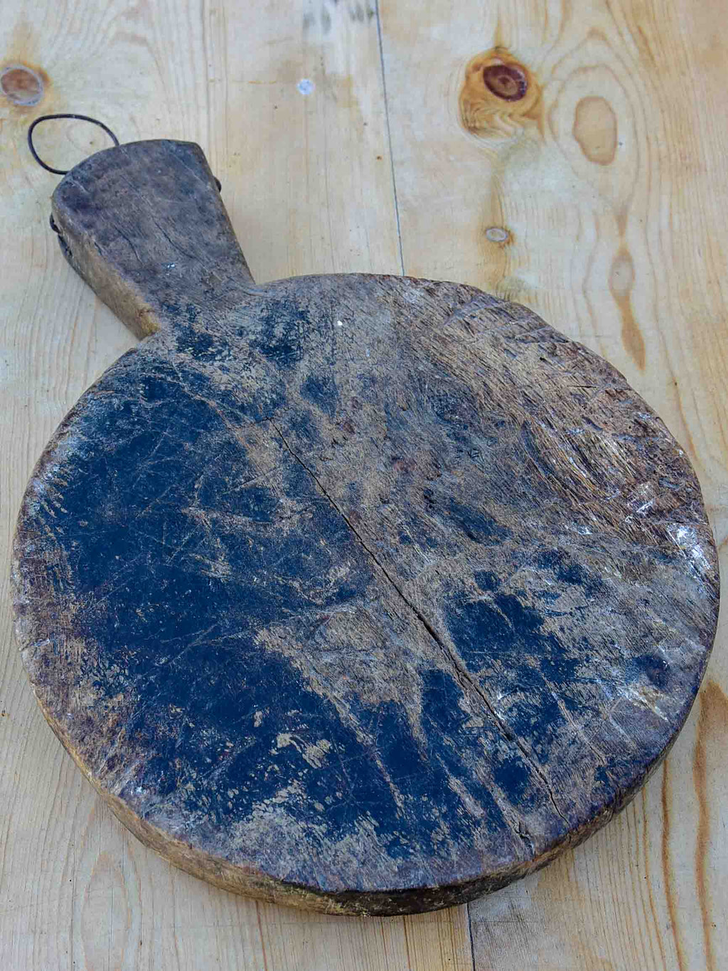 Round antique French cutting board