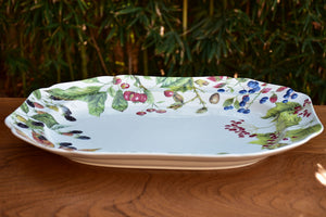 Large Spode platter with berries