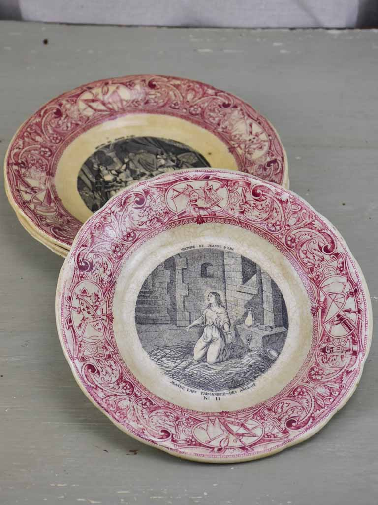 Four Antique Gien parlante plates - Jeanne d'Arc