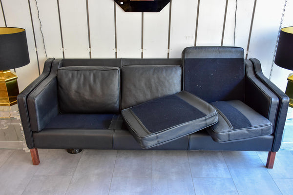 2212 and 2213 Børge Mogensen sofas