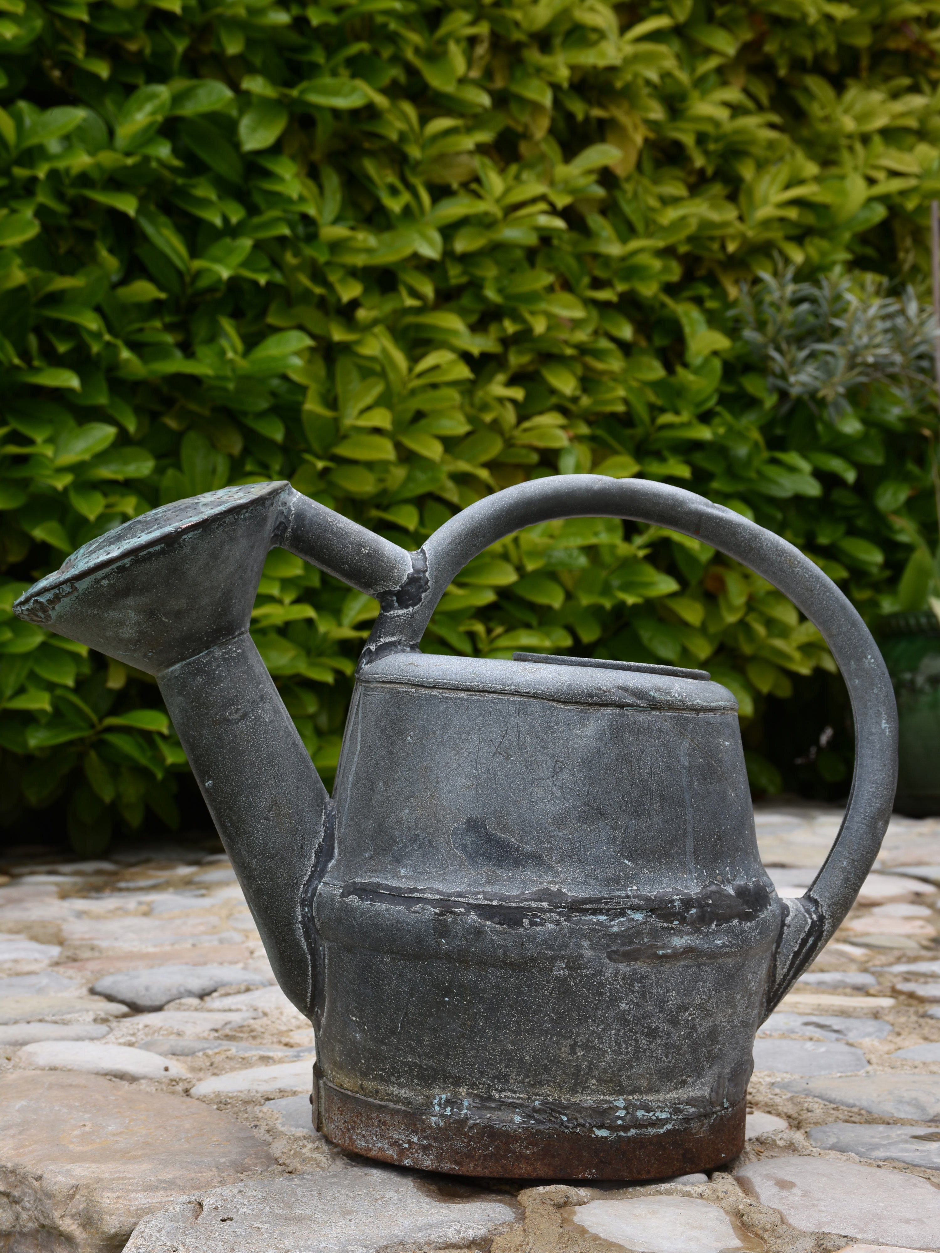 French zinc watering can