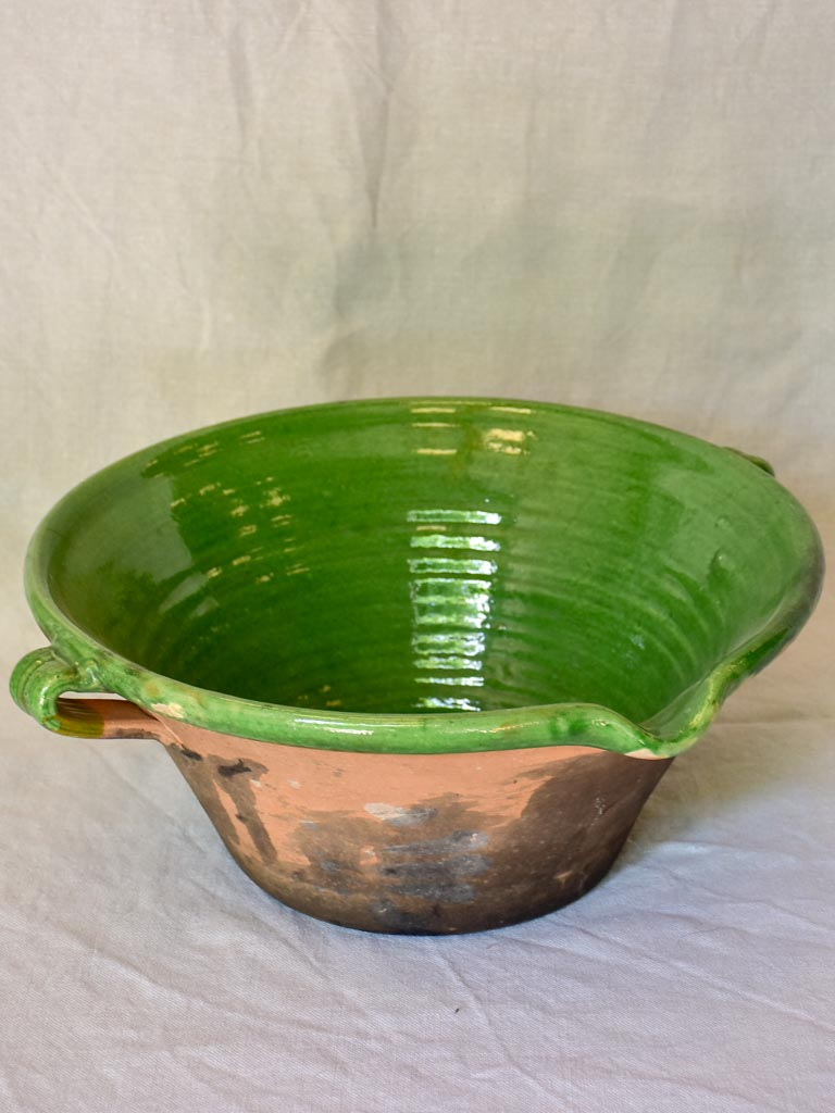 Antique French bowl 'tian' with green glaze