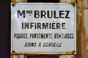Vintage French sign - infirmière
