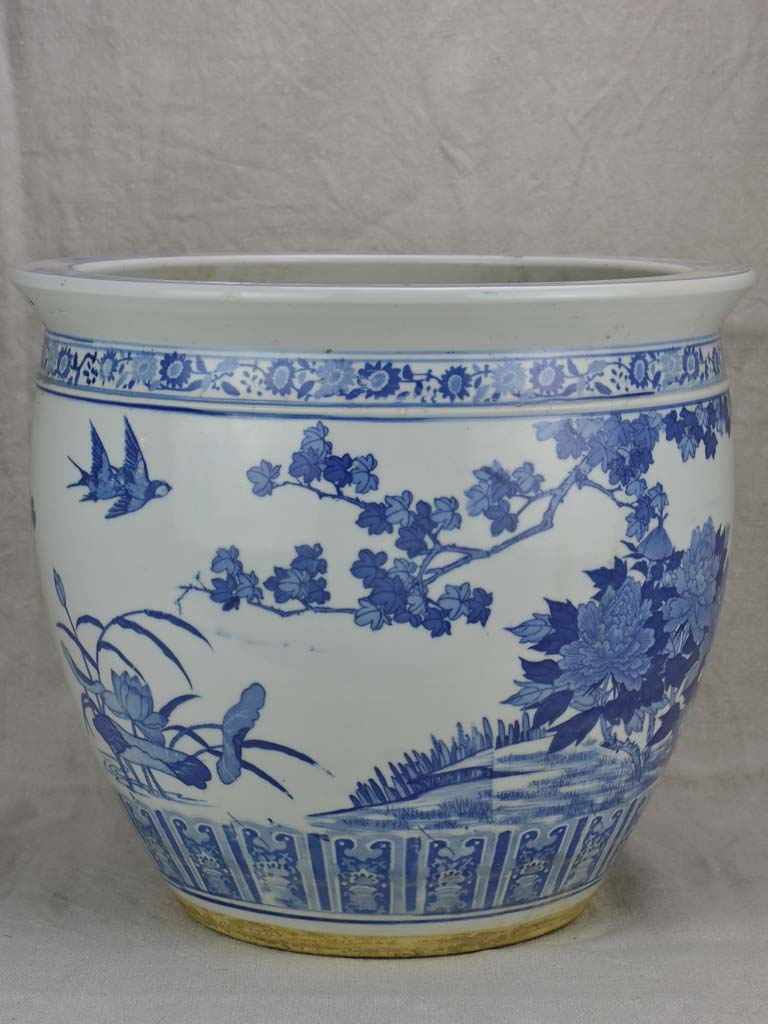 Mid-century blue and white Chinoiserie flower pot 14¼""