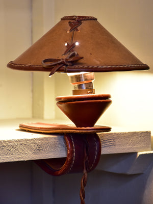 Mini vintage shelf lamp in leather