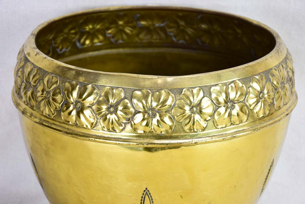 Large early twentieth -century brass cachepot pot plant stand 14¼""