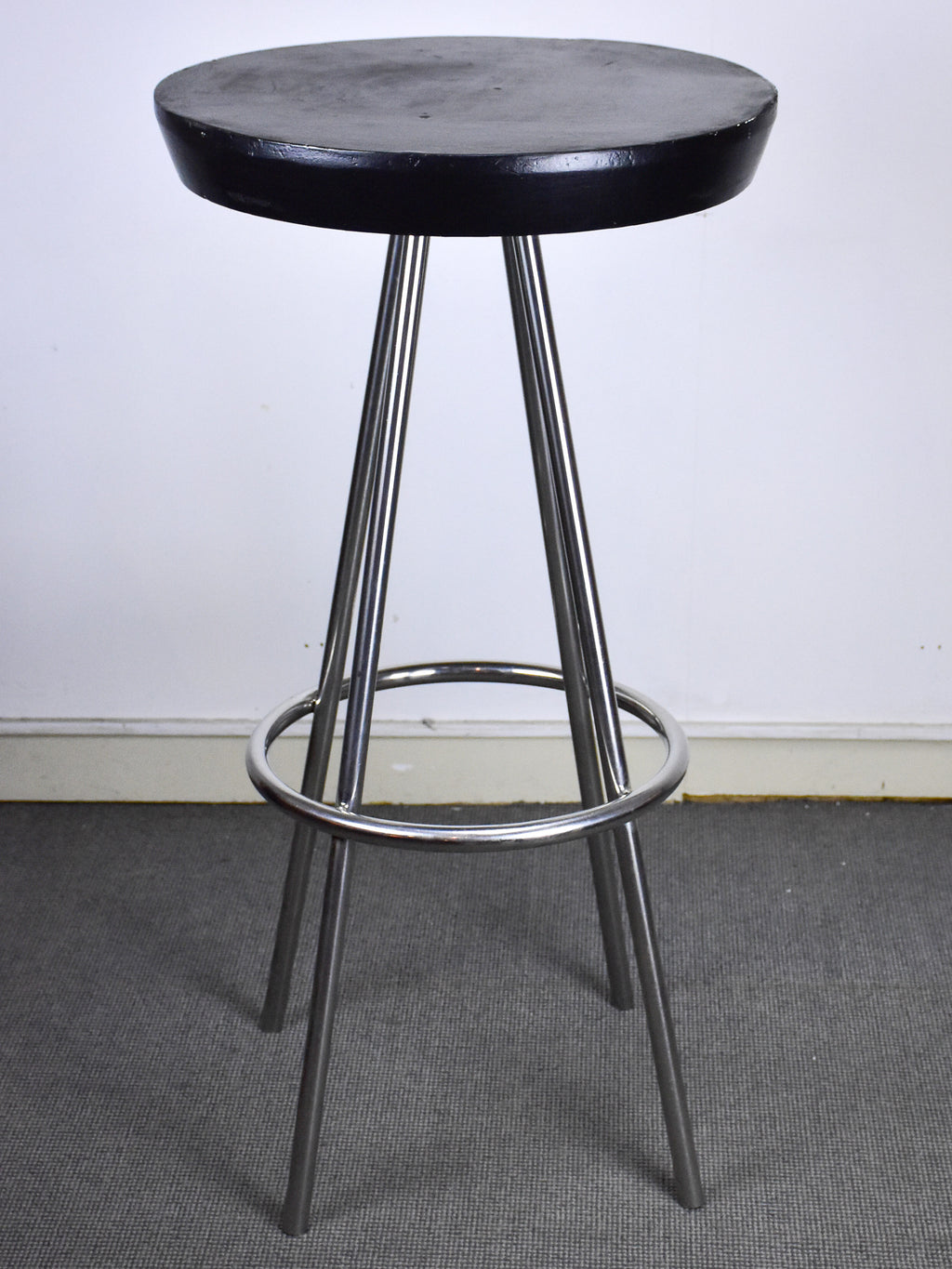 Vintage high bar table - round