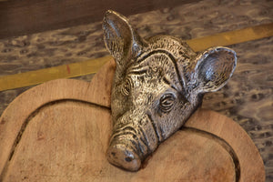 Valenti cutting board with pig's head