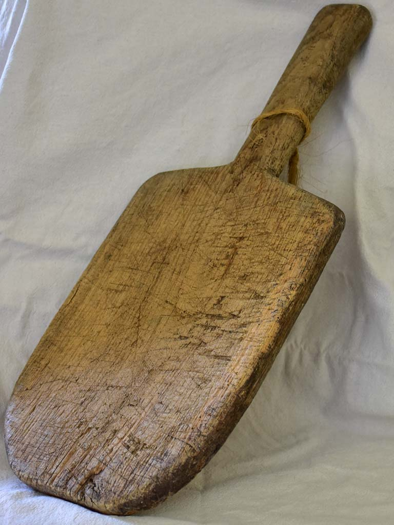 "Rustic antique French cutting board with extra long handle 22½"" x 9¾"""