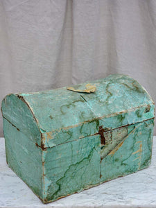 Antique French trunk for a wedding