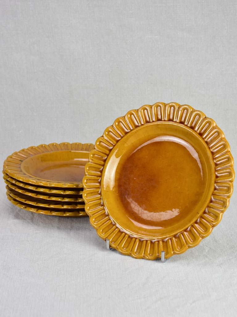 Six pretty plates with ocher glaze - Ravel de croix Aubagne 1960 9½""