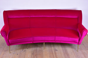 Vintage Italian sofa from the 1950's with fuchsia velvet upholstery