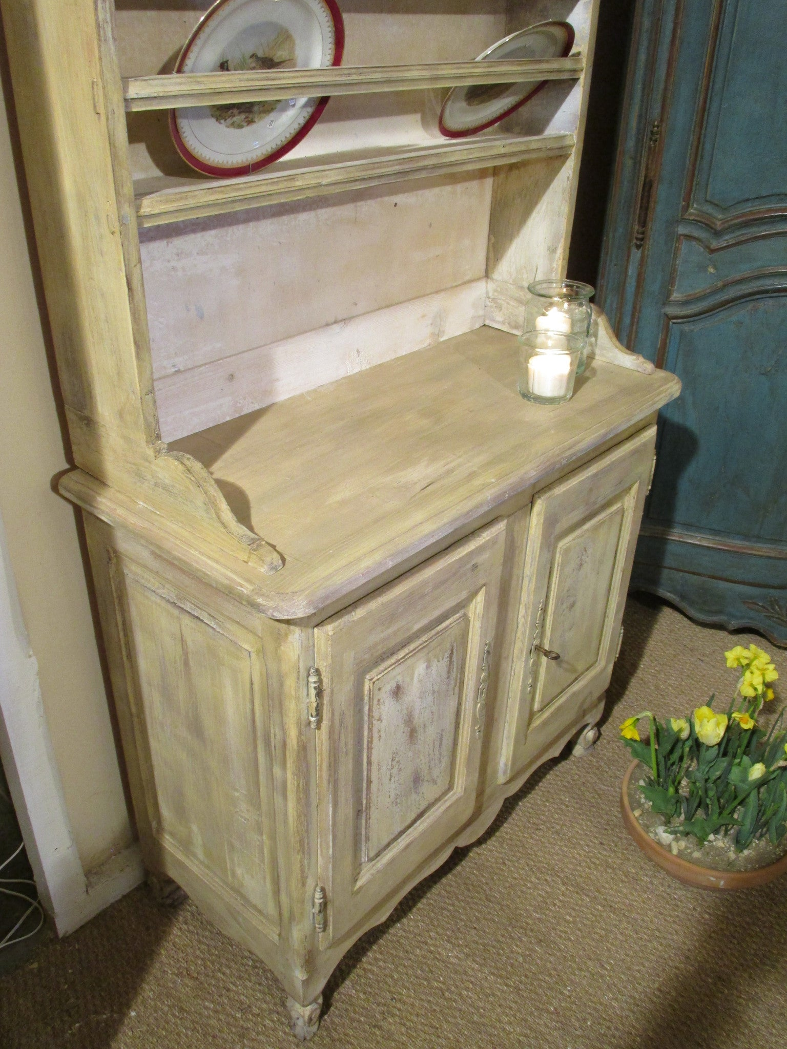 19th century kitchen dresser