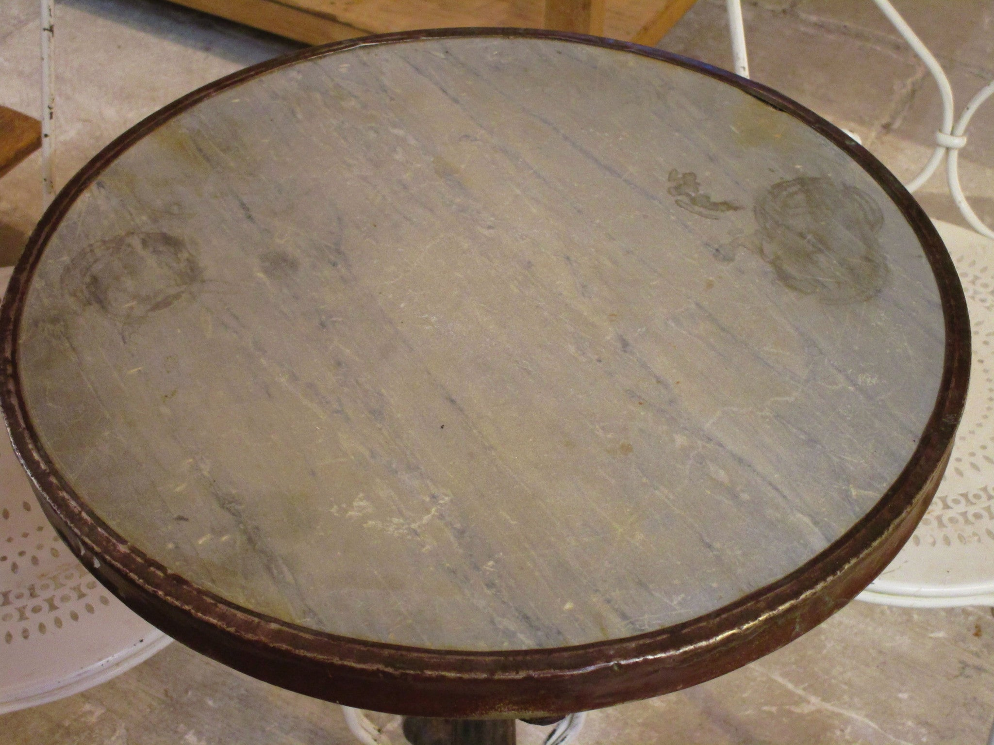 Marble top - Round Parisian cafe table