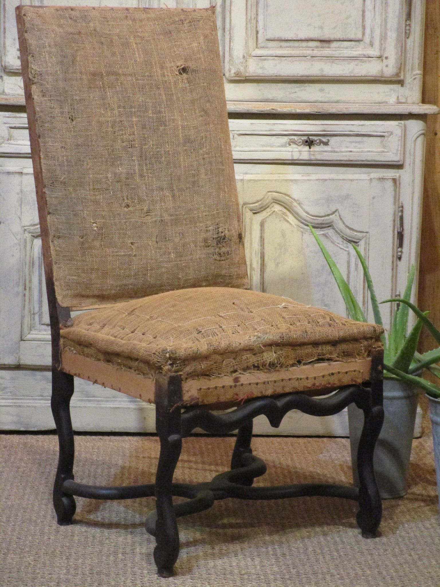 Louis XIII hessian chair rustic