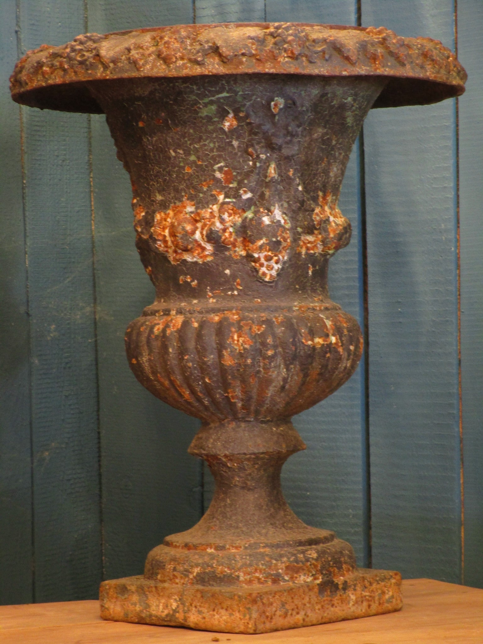 Large French Medici urn