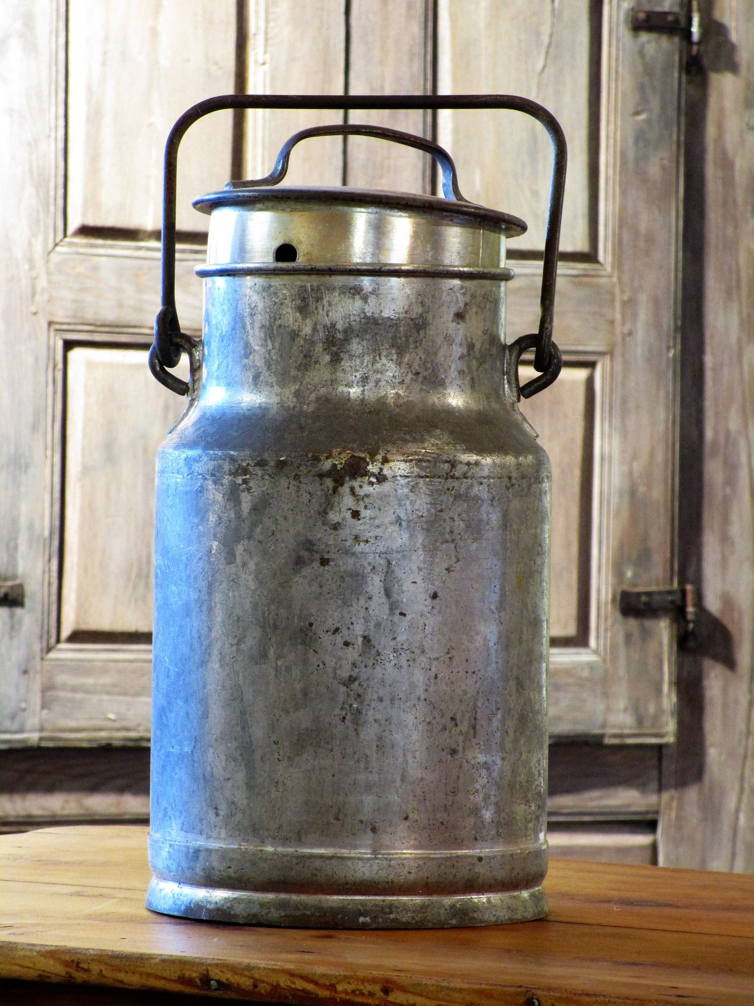 19th century oil canister from Nîmes