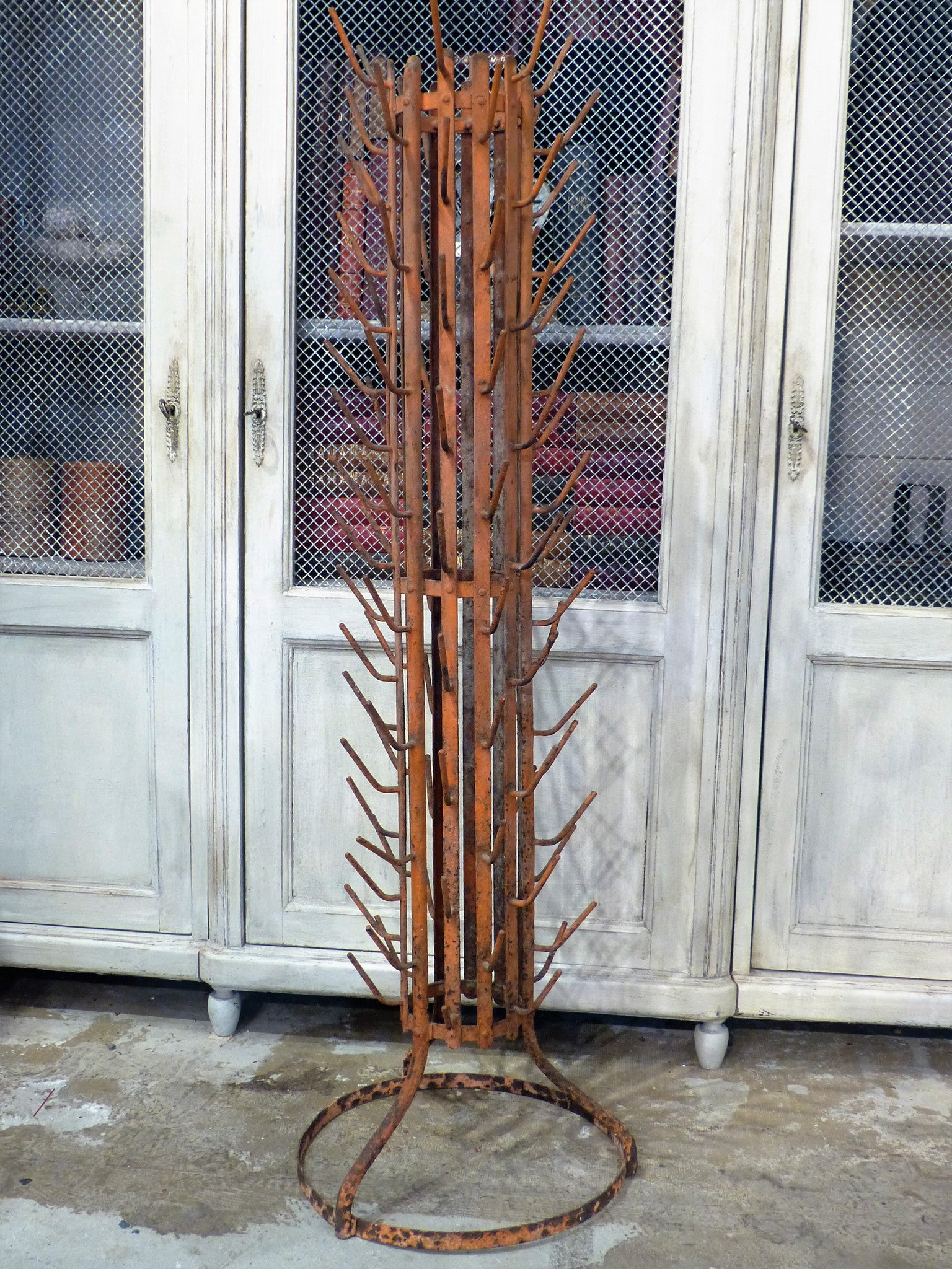 Large bottle tree with original patina - early 1900's