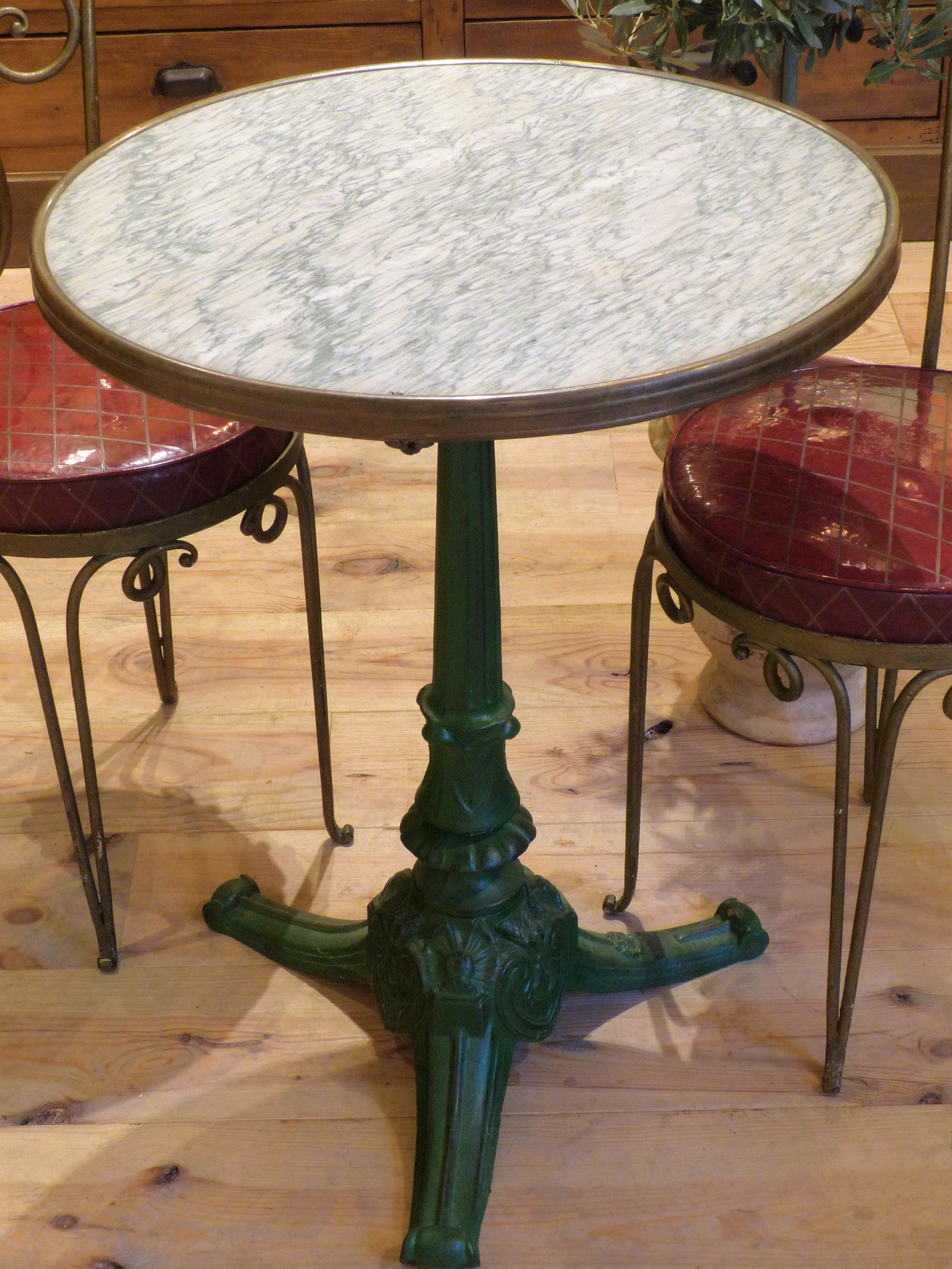 Round marble top bistro table with green stand - Paris
