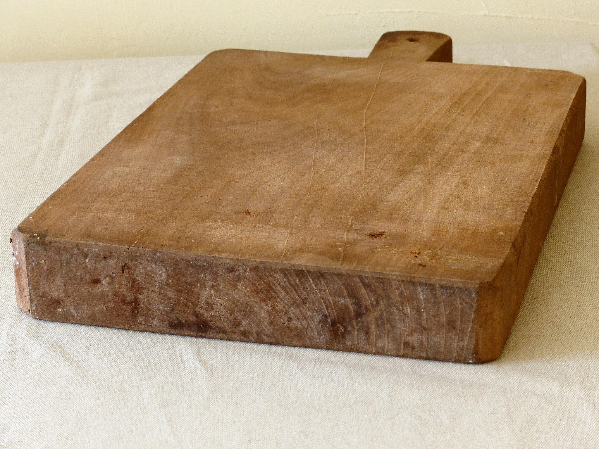 Chunky French cutting board