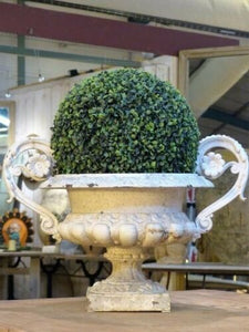 Two Medici urns - gray and white