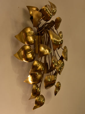 Sculptural vintage wall sconce with gold leaves