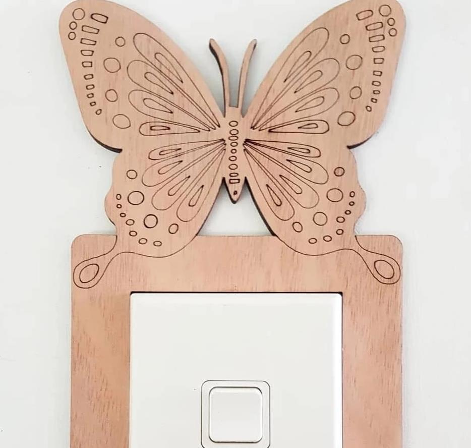 Butterfly switch surround