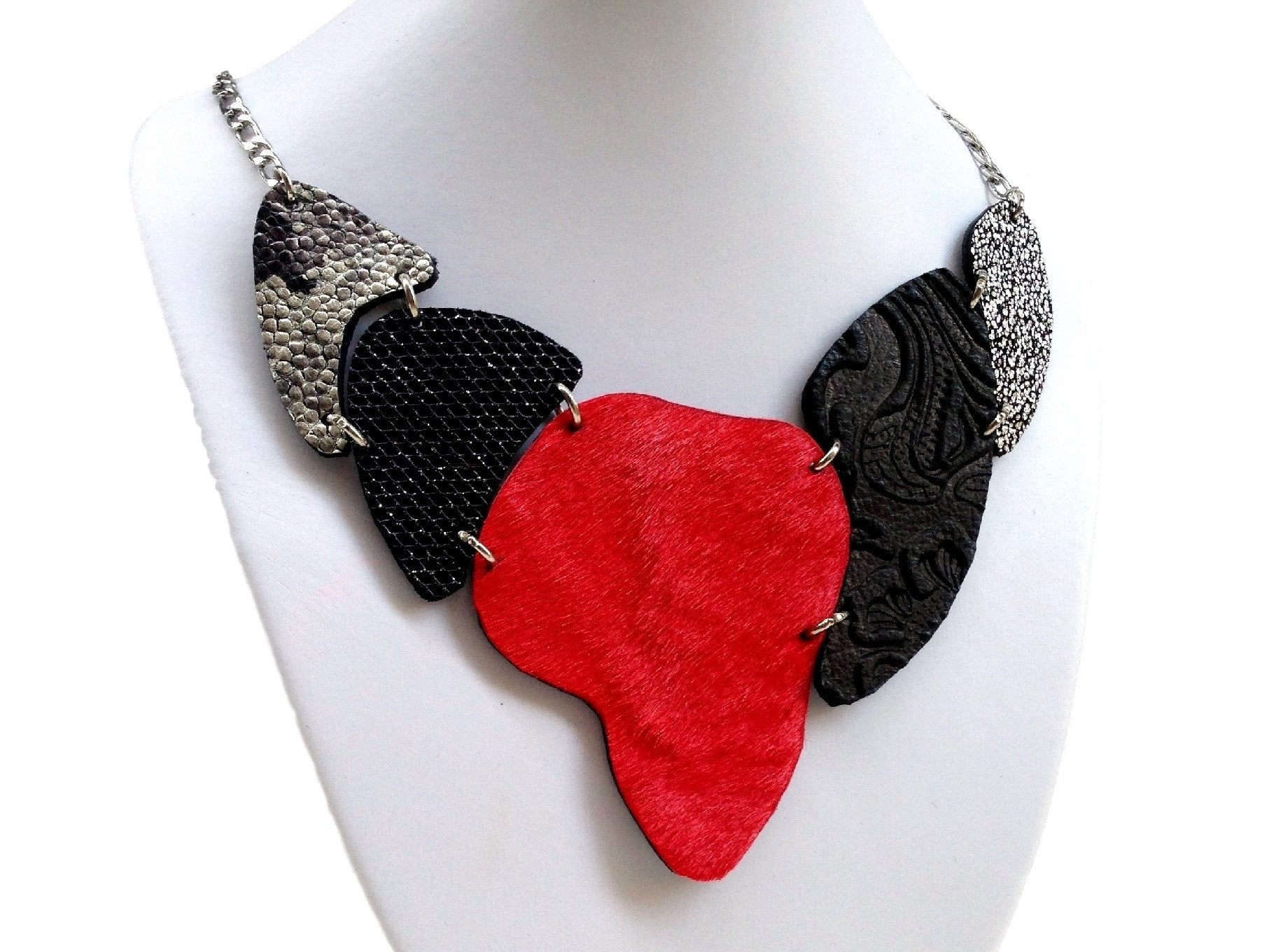Handmade leather necklace ARMADILLO double face-2in1-reversible (black/red/cavallino) (2-in-1)