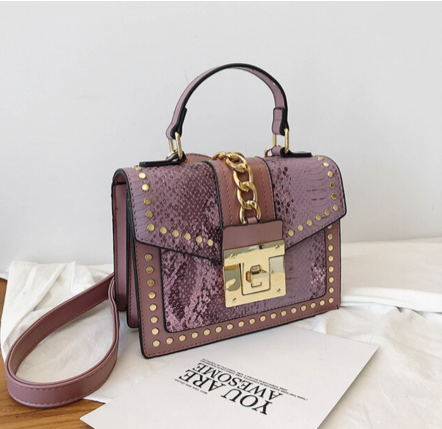La Mia Cara Jewelry - Lavender Donna d'Affari- Leather Strap Flap Chain Crocodile Crossbody Bags