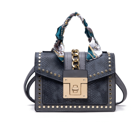 La Mia Cara Jewelry - Gray Donna d'Affari- Leather Strap Flap Chain Crocodile Crossbody Bags