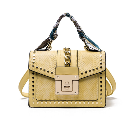 La Mia Cara Jewelry - Yellow Donna d'Affari- Leather Strap Flap Chain Crocodile Crossbody Bags