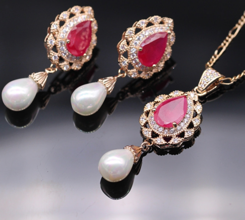 LA MIA CARA - Wanna- CZ DIAMONDS with White Freshwater Pearl GOLD / PLATINUM plated Jewelry Set