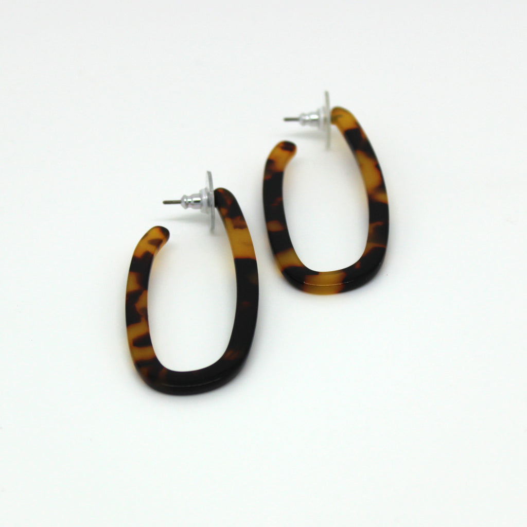Tortoiseshell Oval Hoop Earrings
