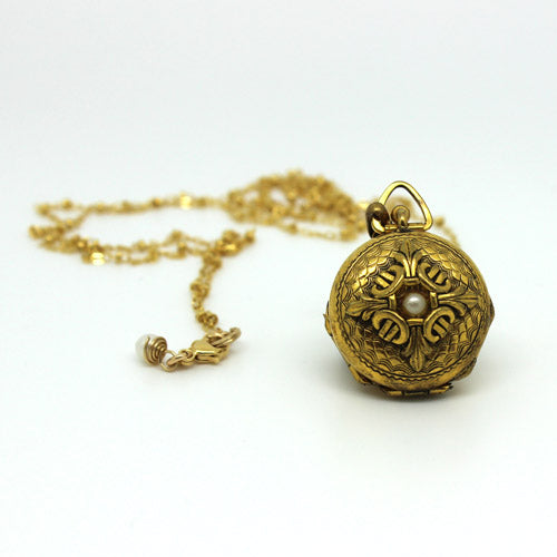 Pearl Vintage Locket