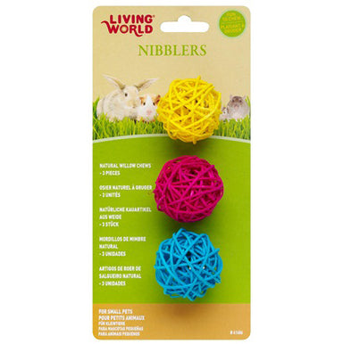 Living World® Nibblers Willow Chew Balls 3PK - Critter Country Supply Ltd.