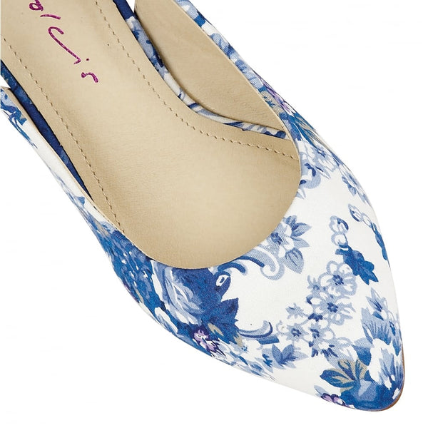 Seneca Blue & White - Pretty Heels - 4