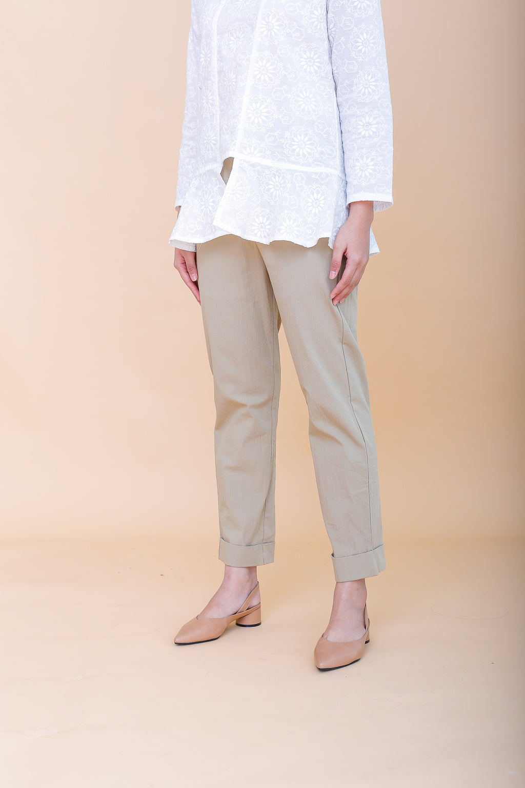 Riley Medium Pencil Cuffed Pants Khaki