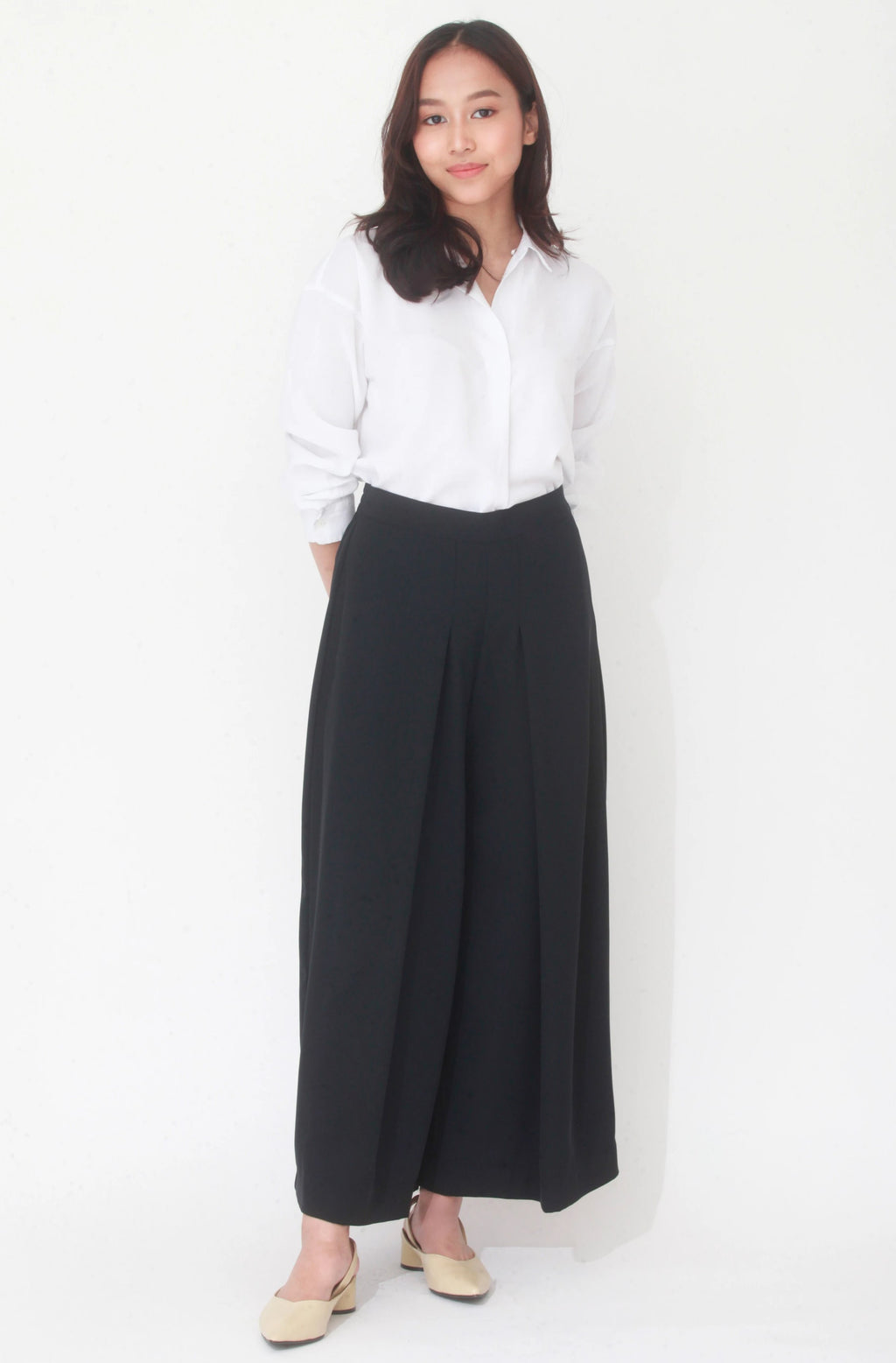 Evelyn Front Pleat Culottes Black