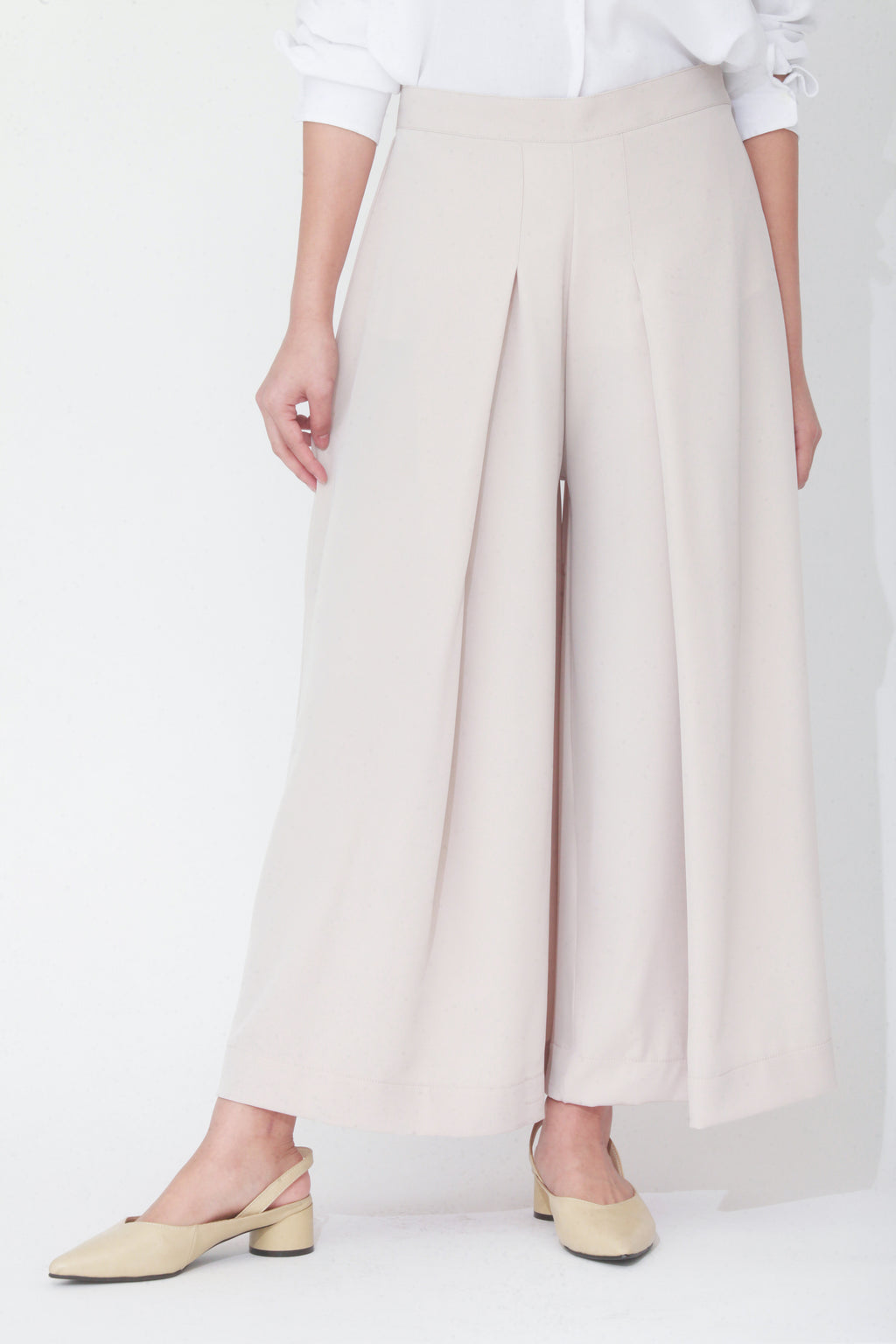Evelyn Front Pleat Culottes Beige