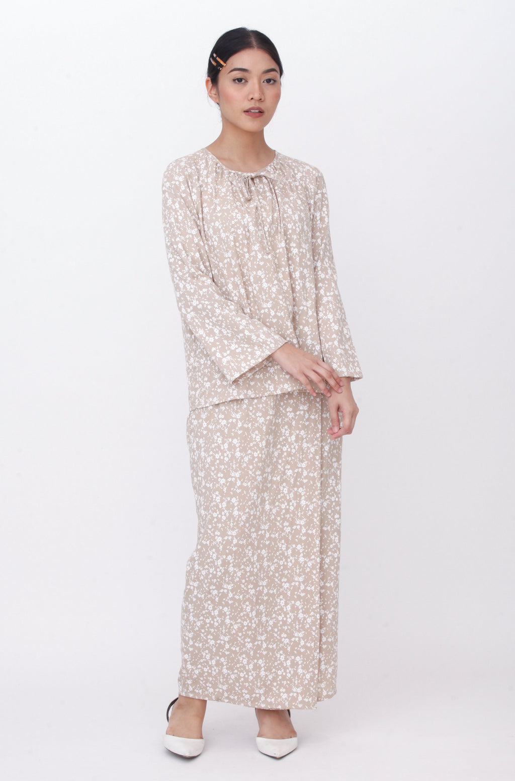 Lucy Floral Kurung Brown (Display Piece)