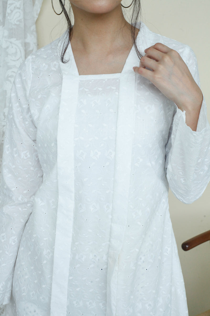 Kameela Embroidered Kebaya Top White