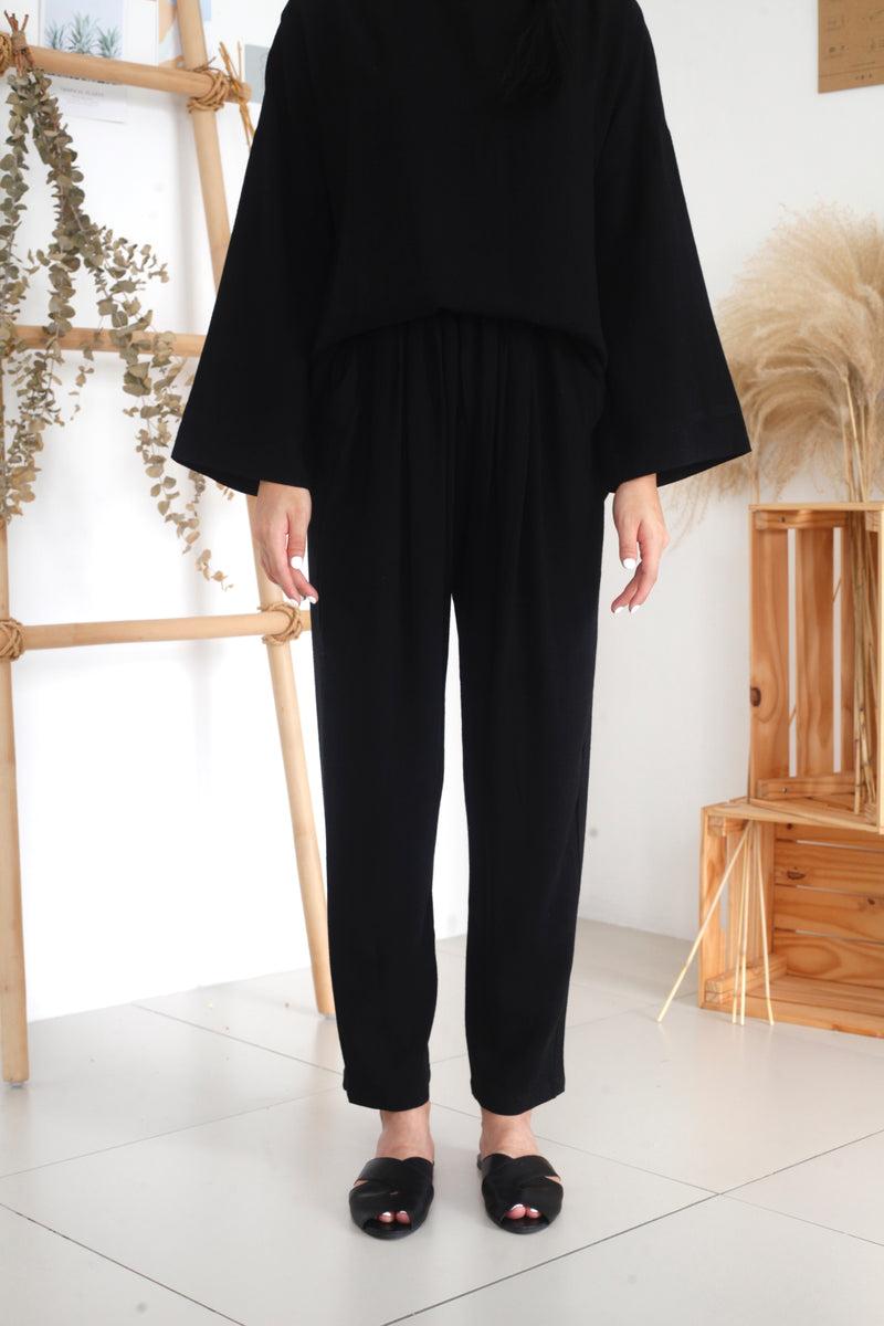Zoe Tapered Cotton Pants Black