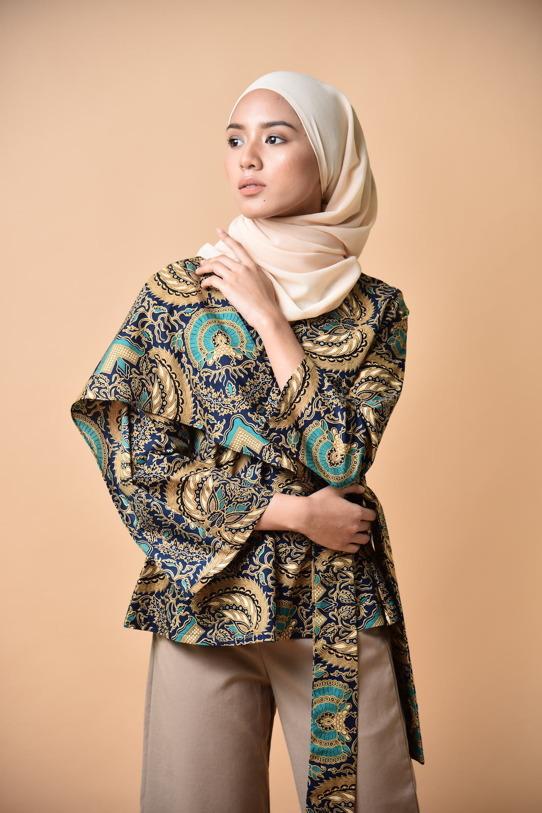 Nayla Wrapped Top Batik Turquoise