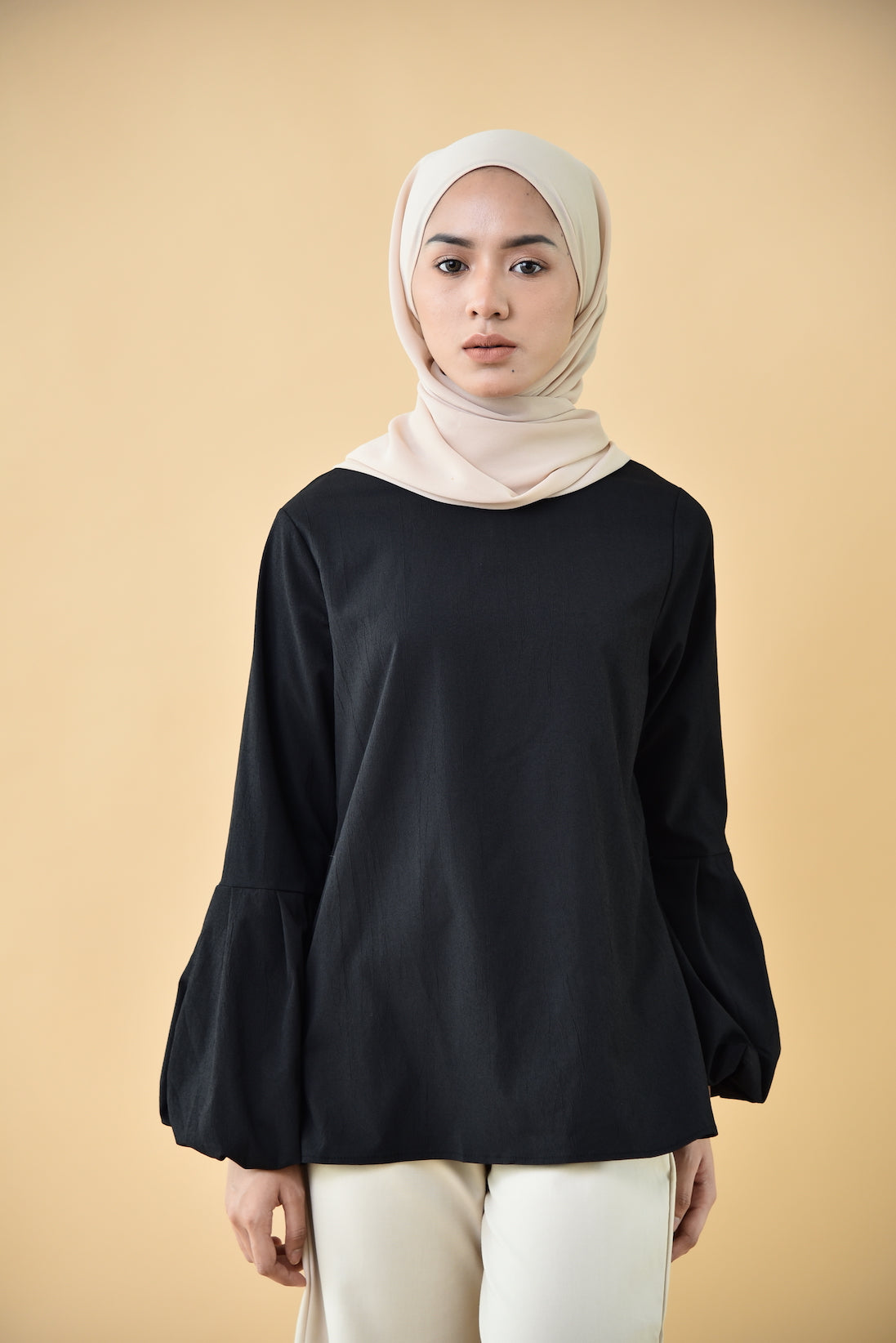 Puffy Half Sleeved Top Black