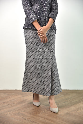 Ami Batik Skirt Black