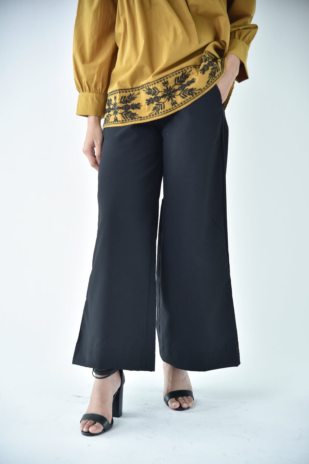 Cotton Wide Legged Pants Black