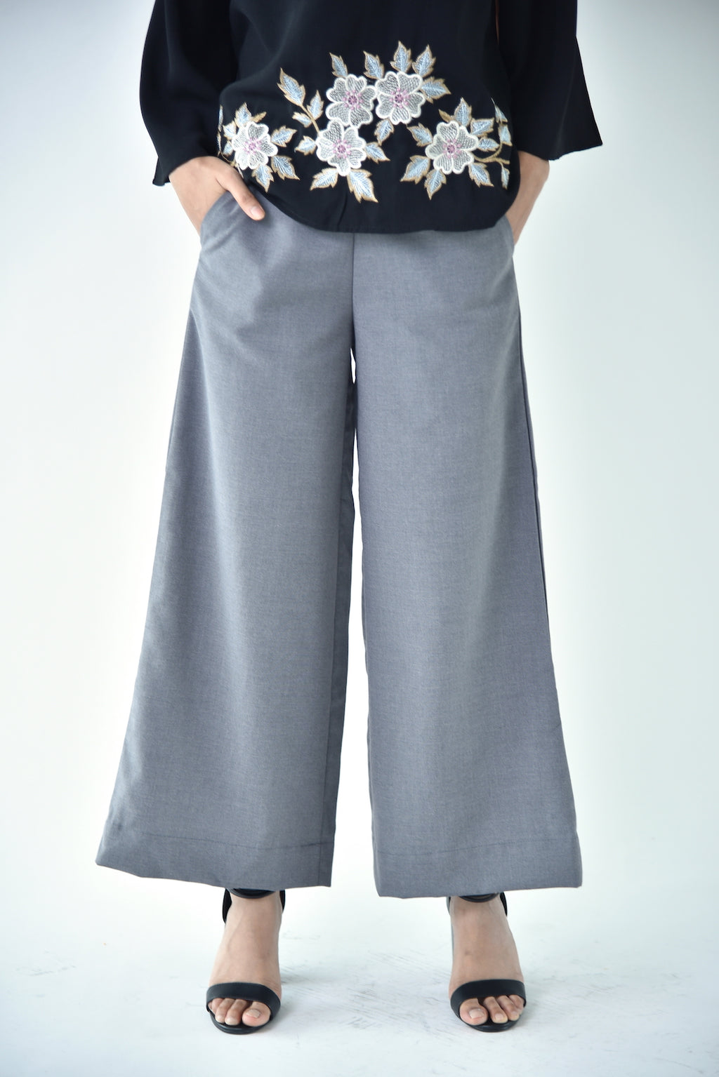 Cotton Wide Legged Pants Grey