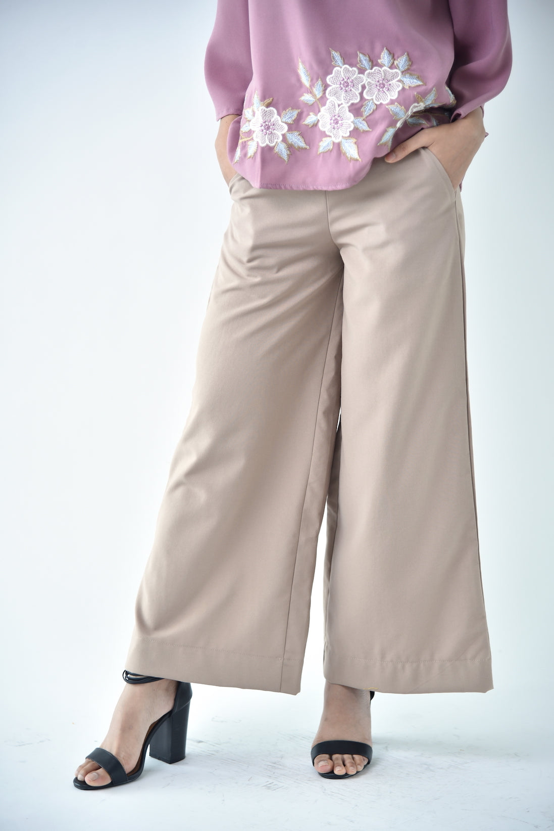 Cotton Wide Legged Pants Brown