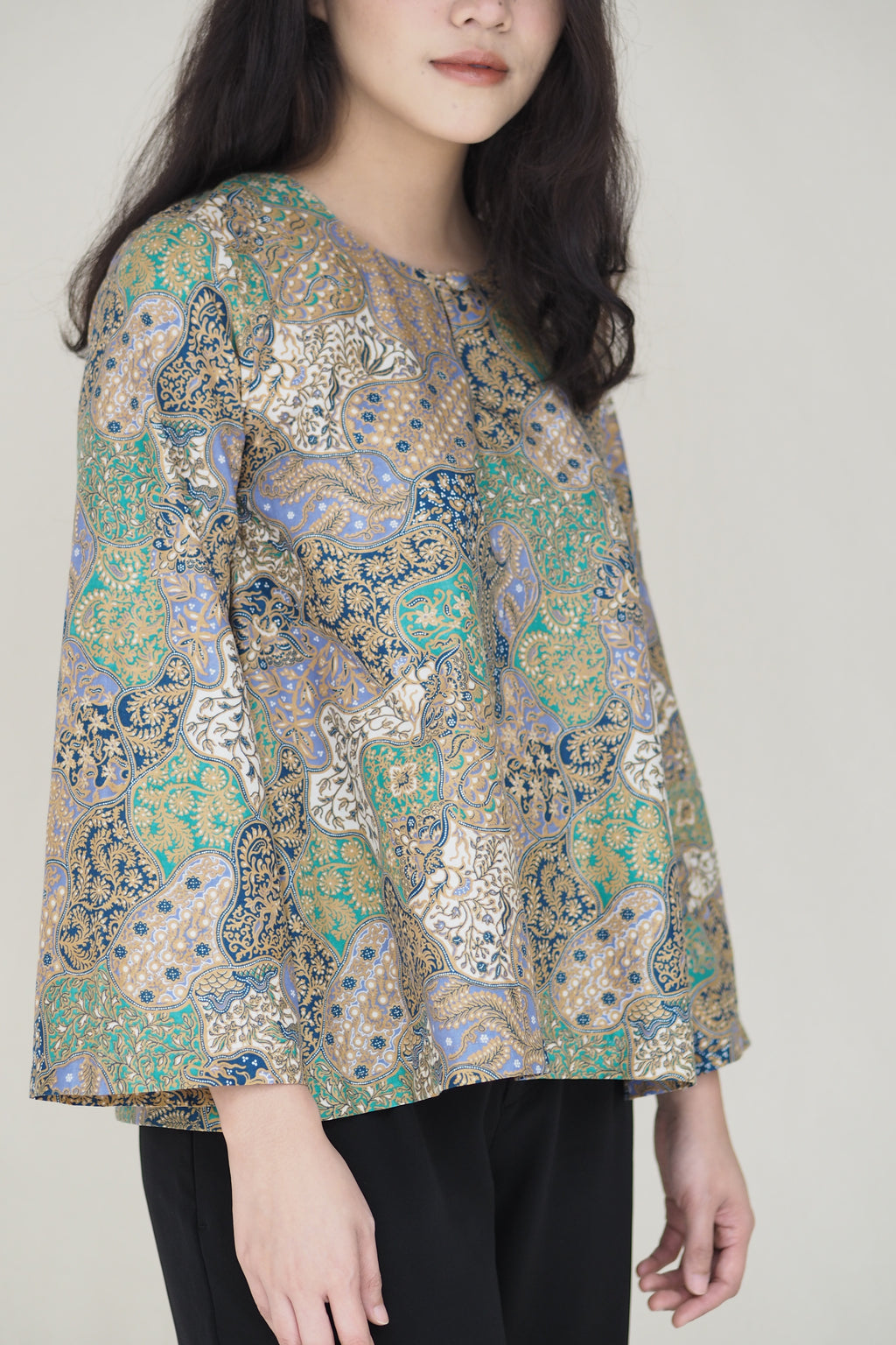 Suri Batik Top Abstract Green