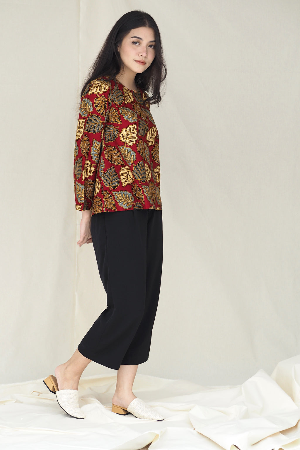 Suri Batik Top Leaf Red
